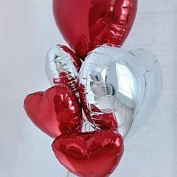 Набор шаров сердец красные