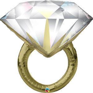 Фольгированный-шар-кольцо-с-бриллиантом